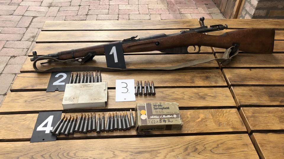 Engedély nélkül tartott fegyver Nagybörzsöny