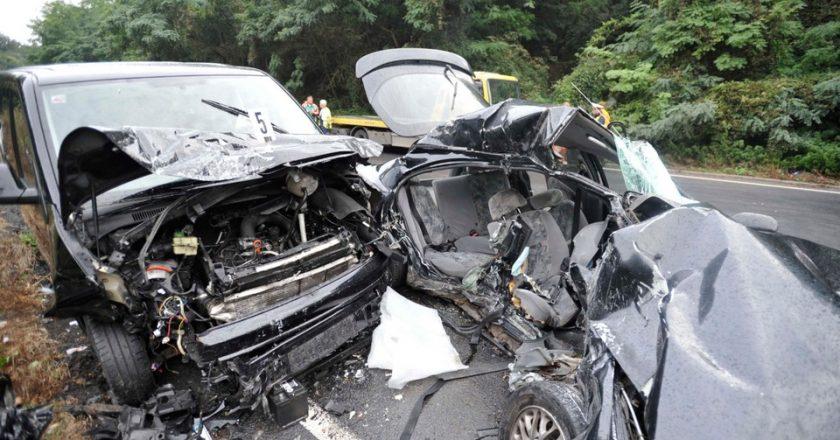 Hárman meghaltak egy balesetben a 2-es úton