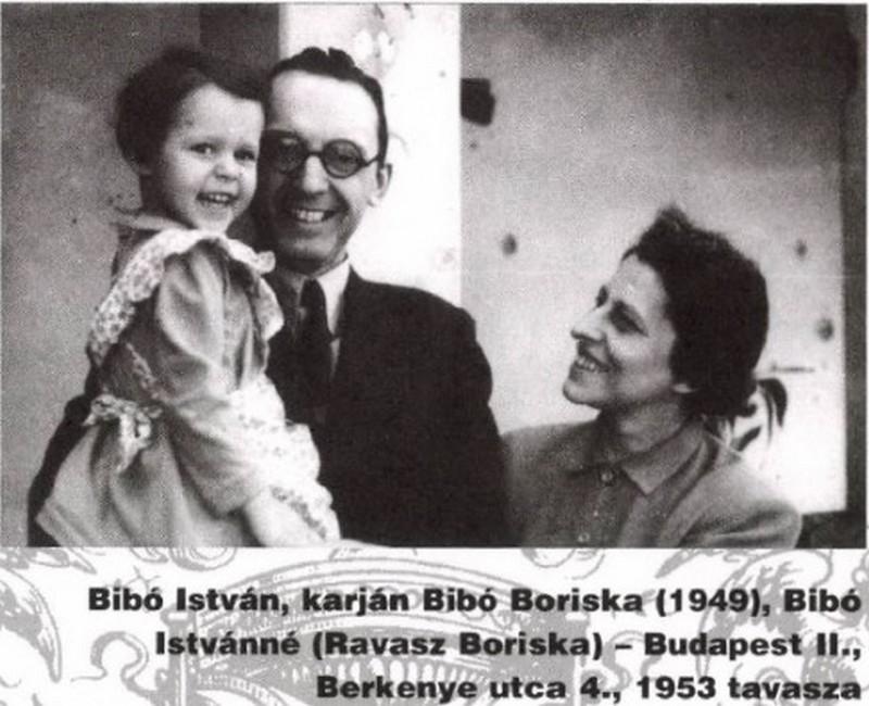 Bibó István családjával