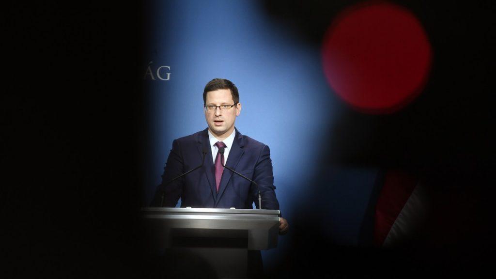 Gulyás Gergely Miniszterelnökséget vezető miniszter koronavírus-fertőzés operatív törzs sajtótájékoztató